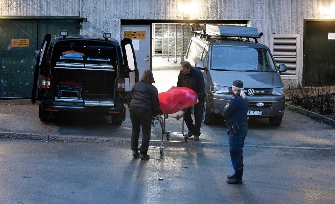 Vid mordet i Tensta på nyårsafton sköts en man ihjäl i ett garage.