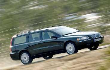 Volvo V70 är den bästa kombin, toppen på de flesta punkter. Bara minus för pris och trångt baksäte.