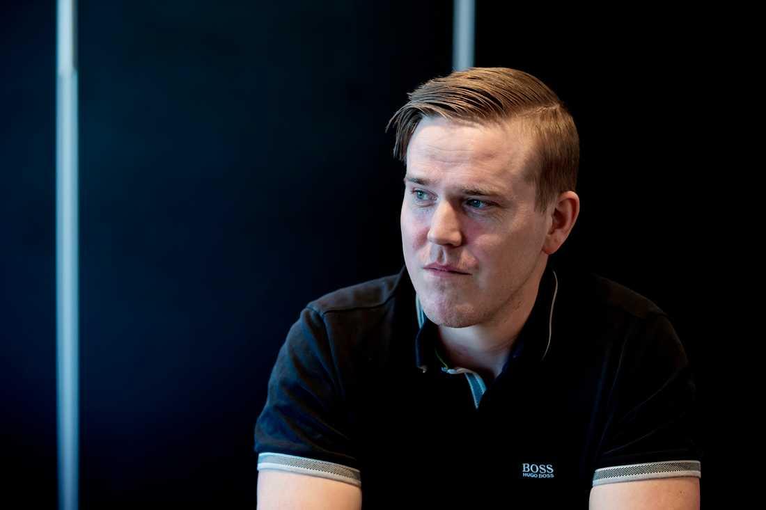 Jeff Ahl, 31, lämnar Sverigedemokraterna för att gå med i nybildade Alternativ för Sverige.