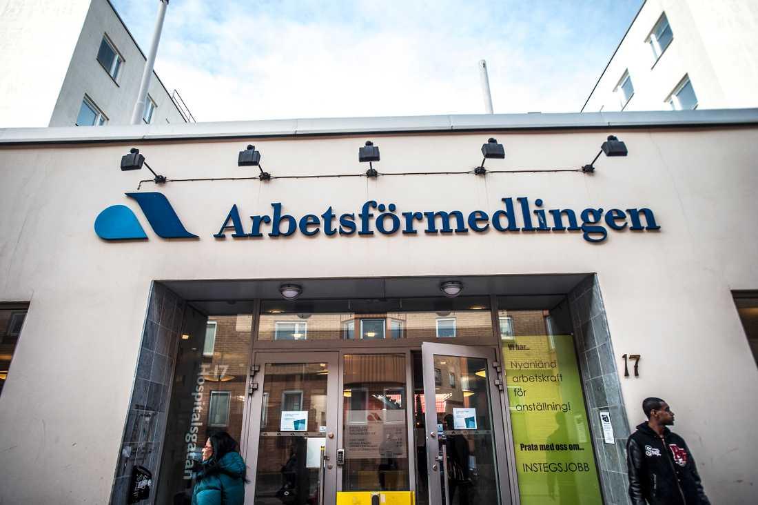 Många personer med utländska namn vill byta till något som låter mer svenskt.