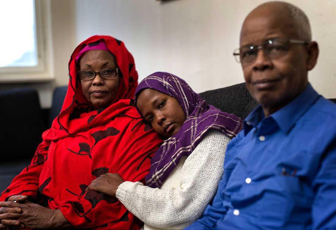 Ayaan Nur tillsammans med sina föräldrar Shamso och Nur Mohammed.