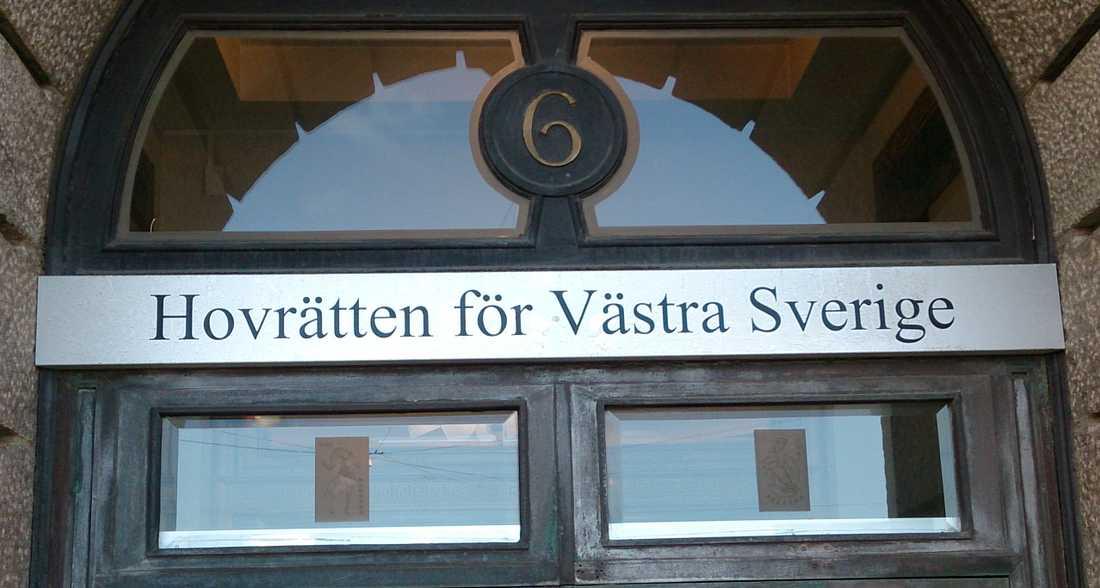 Hovrätten i Göteborg dömer en man som lurade sin styvdotter att ha sex med honom till nästan sex års fängelse. Arkivbild.