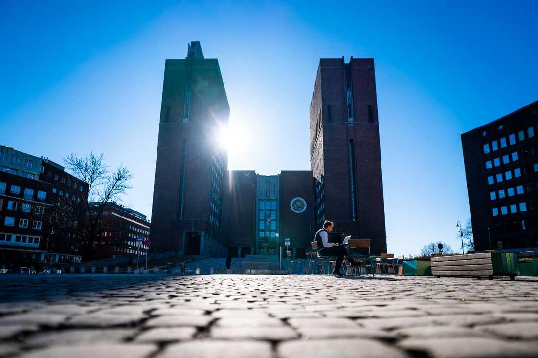 Oslo införde nya restriktioner den 2 mars. Flera professorer vill nu att resten av landet följer efter.