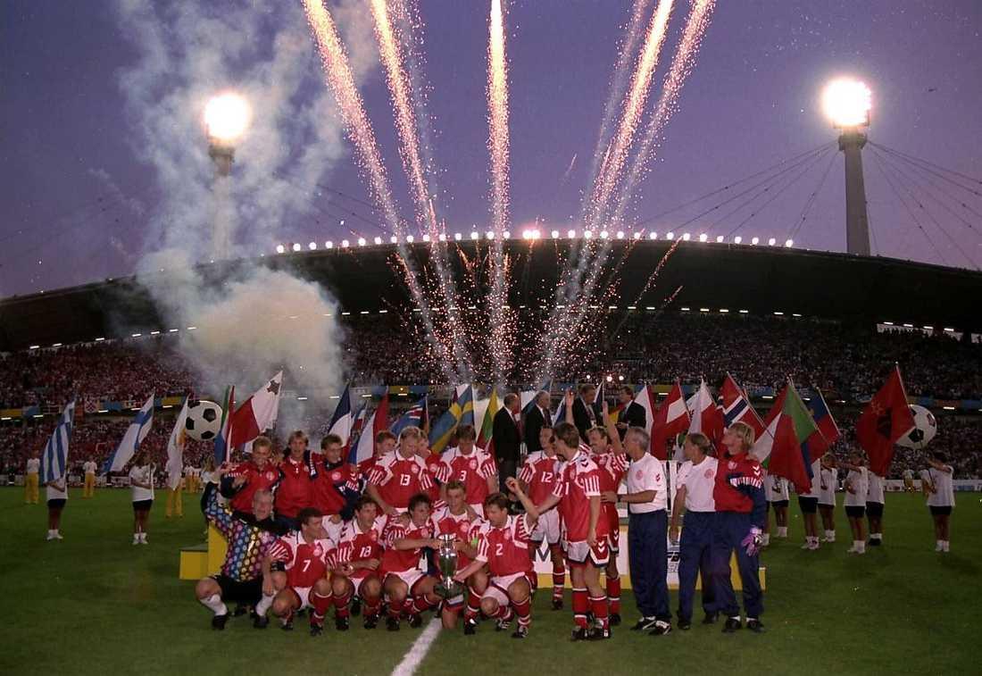 1992 spelades EM i Sverige och Danmark skrällvann. Efter gårdagens flopp kan detta gå till historien som det sista fotbollsmästerskap för män som vi arrangerat.
