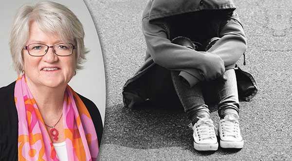 Att ta avstånd räcker inte, det är dags för regeringen att gå från ord till handling och sätta stopp för det hedersrelaterade förtrycket och våldet, skriver Carina Ohlsson, ordförande för S-kvinnor.