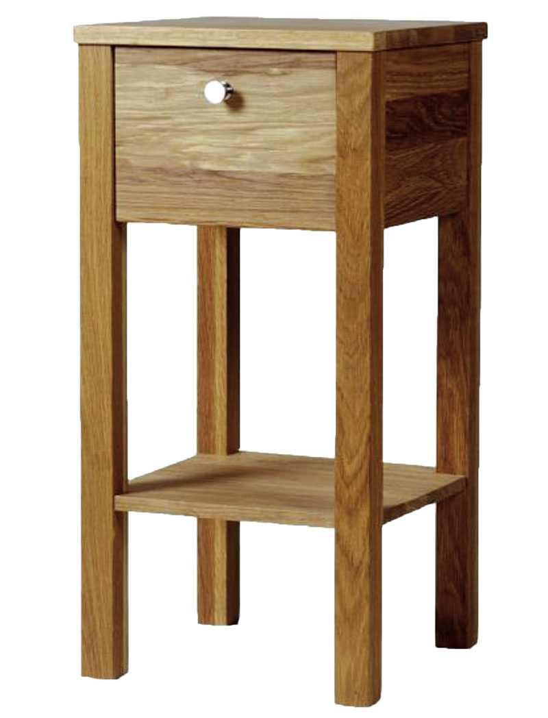 Klassiskt i ek. Sängbord i ek med låda fram, Länna möbler, 3630 kr.