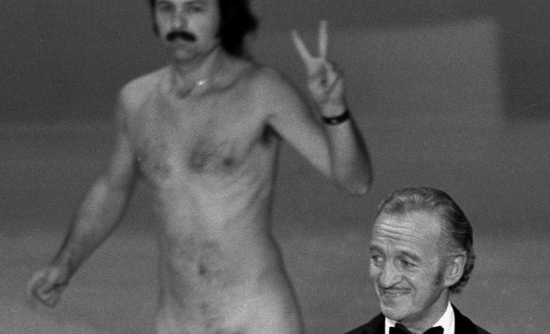 Robert Opel och David Niven på Oscarsgalan 1974.