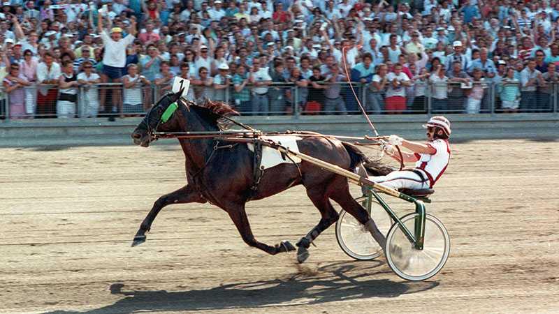 Mack Lobell och John Campbell vid segern i Elitloppet 1988.