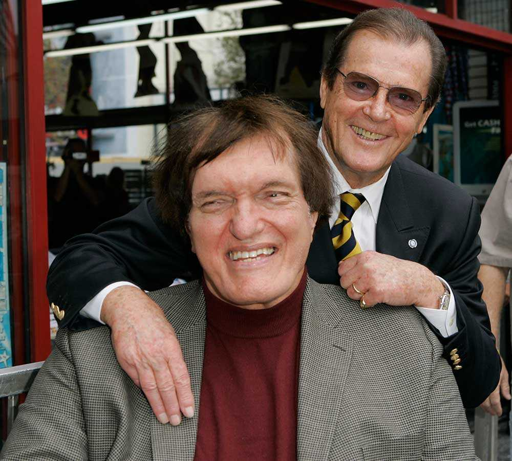 """Kiel och Moore Rjchard Kiel spelade """"Hajen"""" i de två Bond-filmerna """"Moonraker"""" och """"Älskade spion"""", mot Roger Moore."""