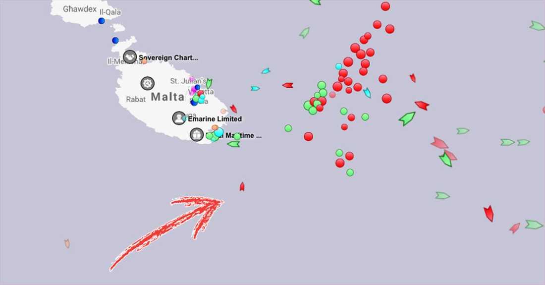 Fraktfartygets position utanför Malta på torsdagsmorgonen.
