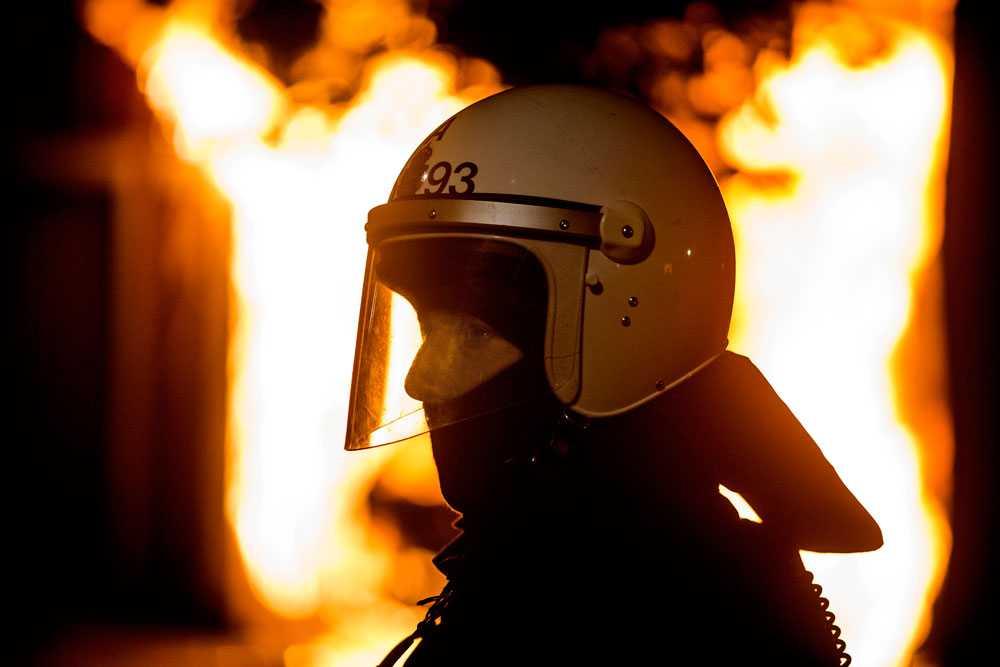 NICLAS HAMMARSTRÖM En brandman kan bara se på när tvätthuset brinner ner till grunden.