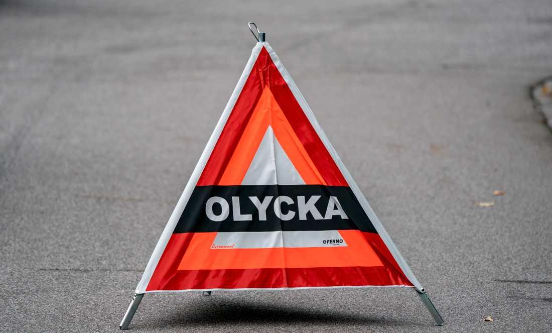 En person har skadats allvarligt på riksväg 11 i Veberöd. Ytterligare två har fått föras till sjukhus. Arkivbild.