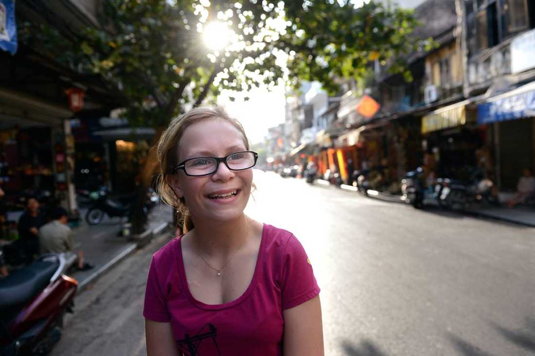 Linnea har bott i Hanoi i ett och ett halvt år och trivs bra.