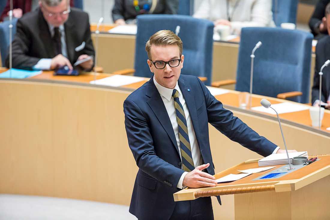 Andreas Carlson, rättspolitisk talesperson (KD)
