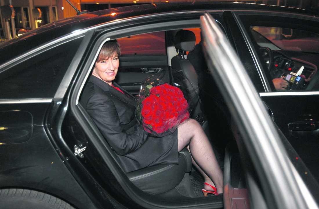 """Betyg: godkänt Tittarna ger Mona Sahlin klart godkänt efter går- dagens utfrågning – trots att det var en hård match för oppositionsledaren. Sahlin har varit ifrågasatt och hånad men i går kväll lyckades hon bra. """"Det brukar bli urusla betyg, så jag blev jätteöverraskad"""", säger Mona Sahlin efter premiärutfrågningen i SVT."""
