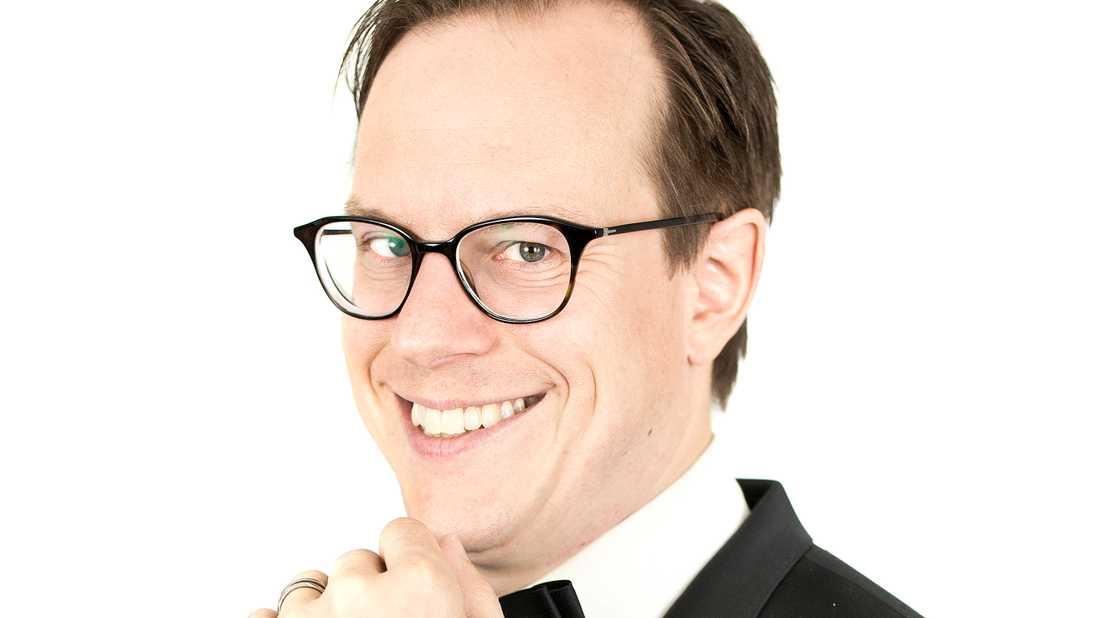 "Thomas Deutgen samlar dansbandsveteraner på scen på turnén ""Dansband deluxe"". Pressbild."