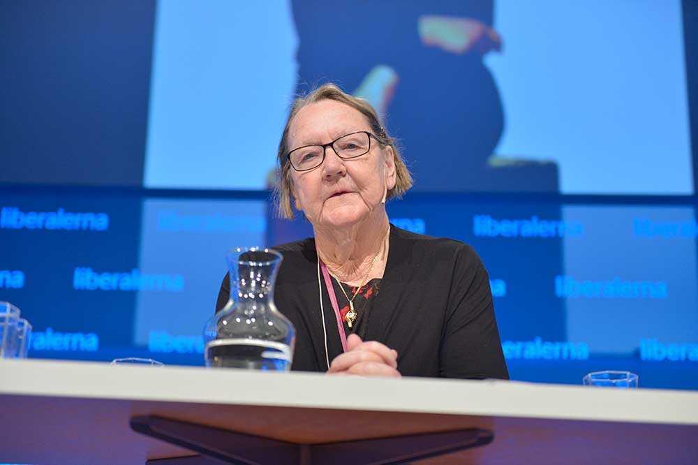 Folkpartiets EU-parlamentariker Marit Paulsen, 75, kommer att lämna politiken –och återgå till att vara författare.