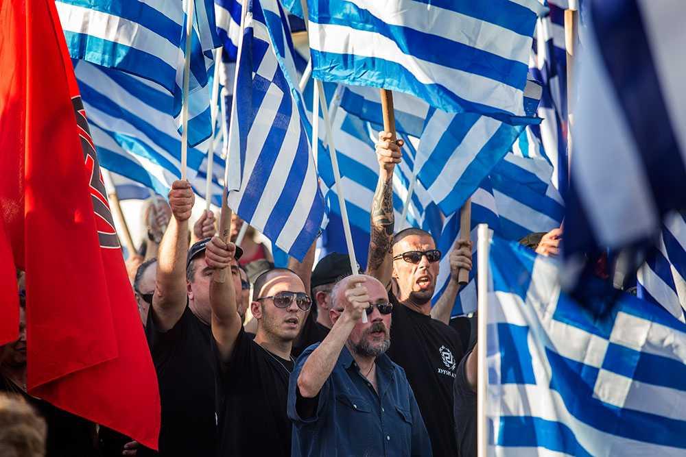 Möte. Davakitorget i Nikea, en förort till Aten: Högerextrema Gyllene Gryning håller möte.
