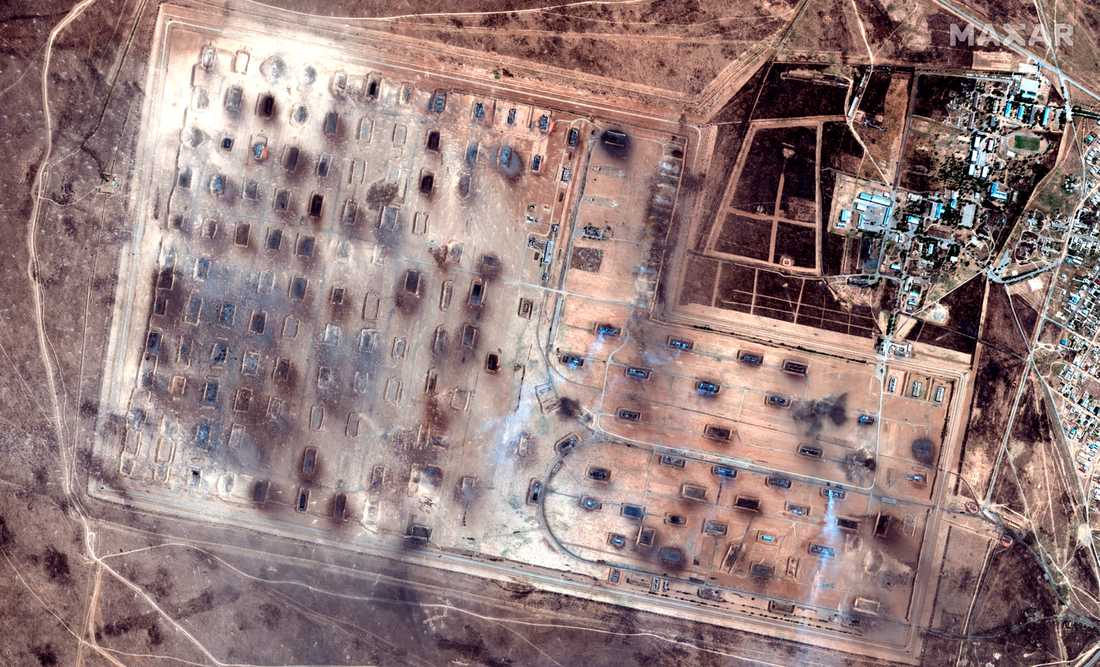 Satellitbilder visar förödelsen på den enorma militäranläggningen i Kazakstan.
