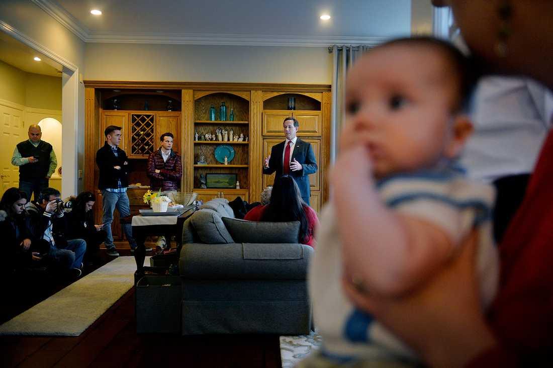 Rick Santorum är en 57-årig åttabarnspappa och djupt troende katolik.