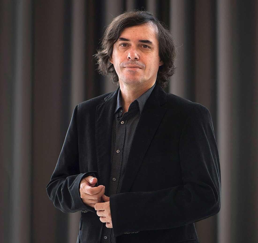 Häpp! Rumänske författaren Mircea Cartarescu tippas av tre av Aftonbladets kritiker. Vad säger Akademien? Foto: AP