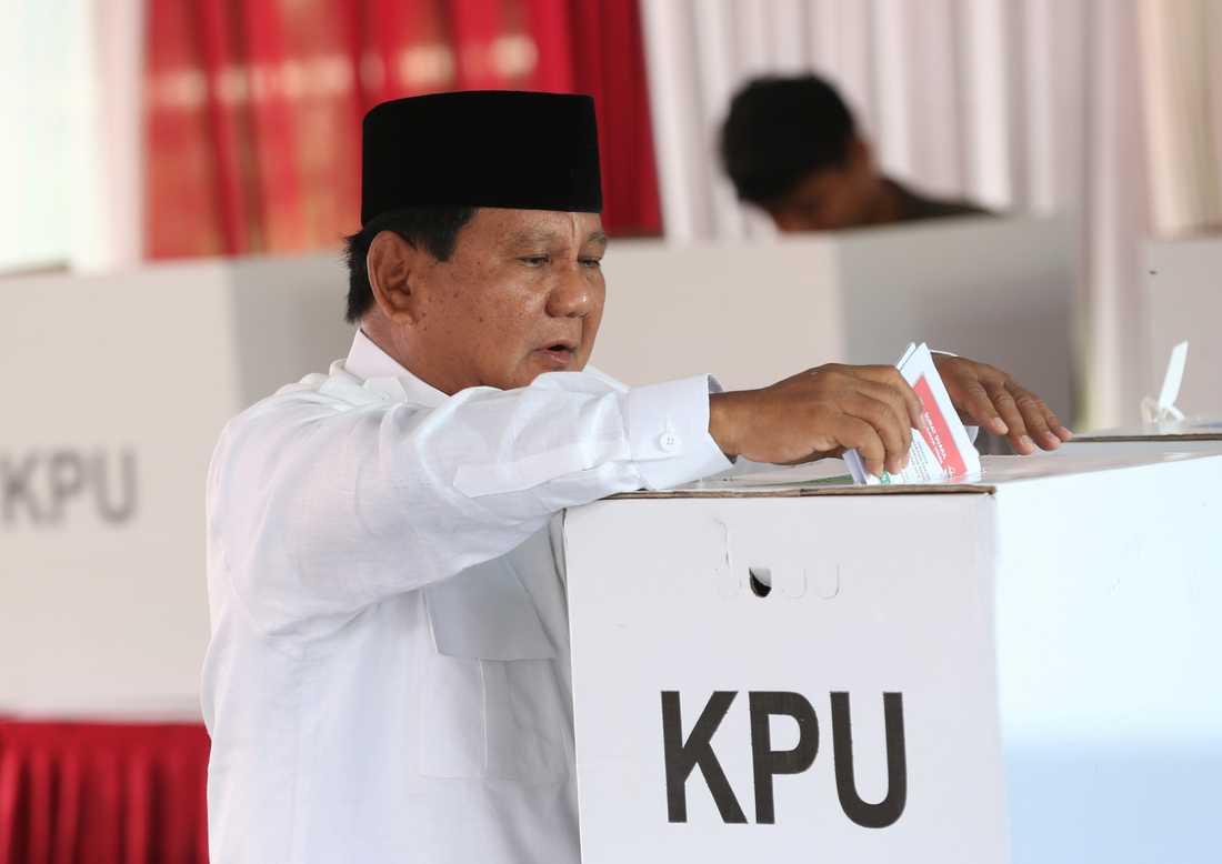Presidentkandidaten Prabowo Subianto säger sig vara optimistisk trots att han ligger under i opinionsmätningarna.