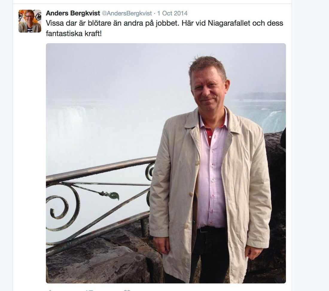 En semesterselfie på Facebook från Anders Bergkvist, högste chefen i Svenska kyrkan i utlandet.