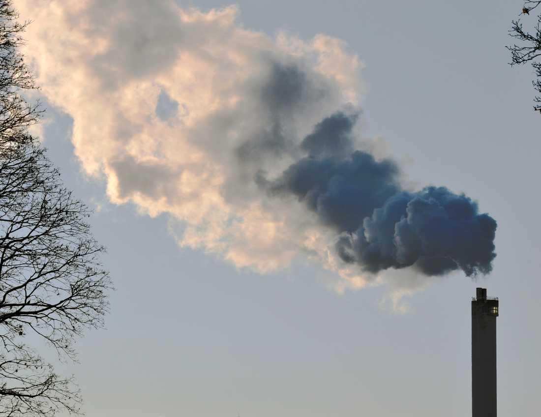 De svenska utsläppen minskar men inte snabbt nog, enligt Naturvårdsverket. Arkivbild.