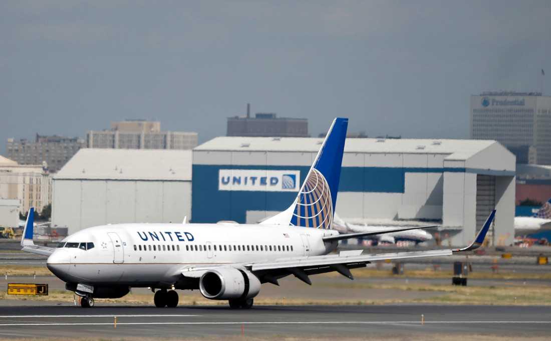 Ett flygplan från United Airlines