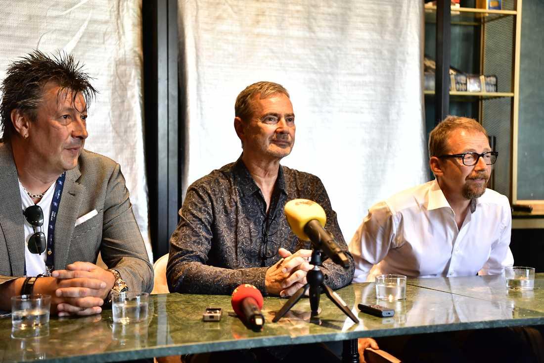 la Melzig, Christer Björkman och Anders Lenhoff presenterar American song contest