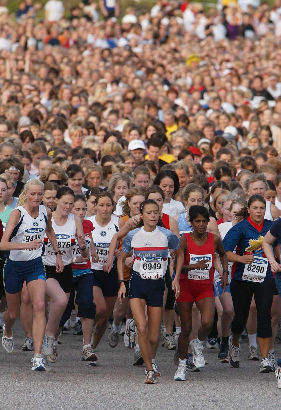 """FARLIG TRÄNING Långvarig högintensiv träning kan vara skadlig för hjärtat, det visar en ny studie från Uppsala universitet och Karolinska institutet som följt tiotusentals Vasaloppsåkare under en tioårsperiod. Men även """"vanliga"""" motionärer kan överanstränga sig."""