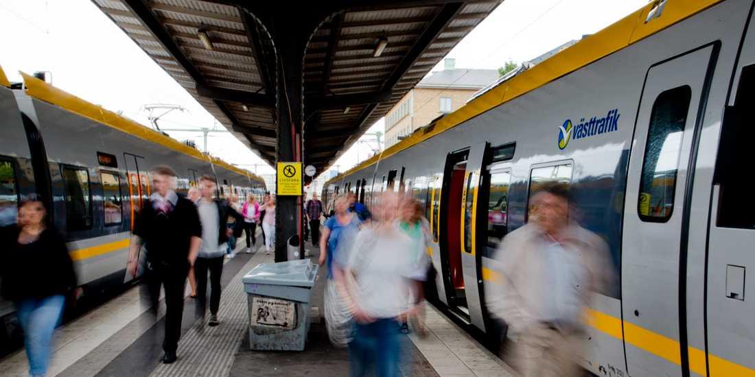 På grund av stormen kommer trafiken på fyra tågbanor i Västsverige stängs av från och med fredag eftermiddag, klockan 16.