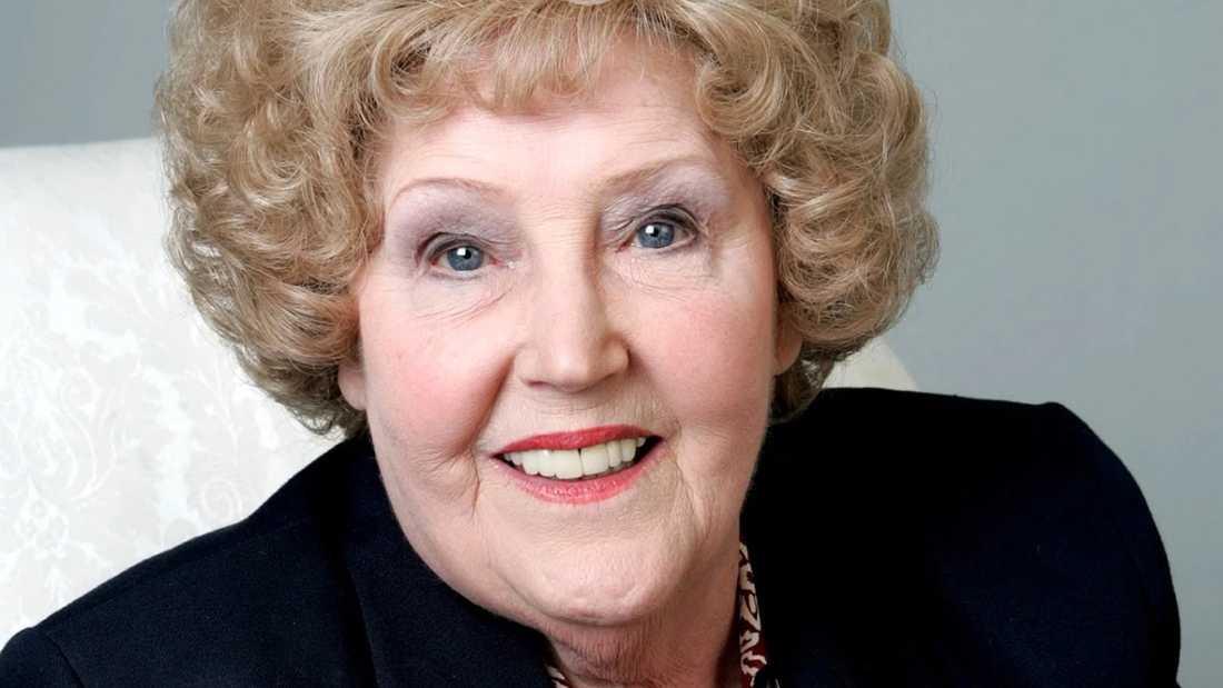 """Paula Tilbrook medverkade i 746 avsnitt av """"Hem till gården"""" mellan 1994 och 2015."""