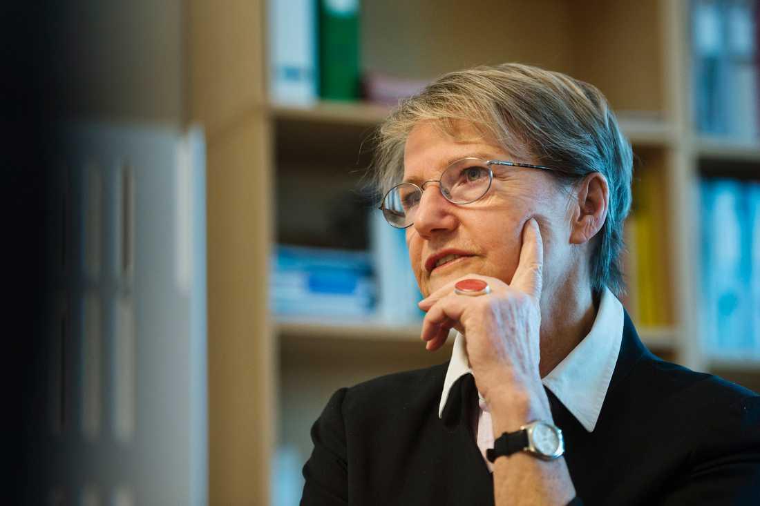 """""""Finland, liksom övriga EU-länder, behöver ta ett större ansvar när det gäller flyktingmottagandet"""", säger Sveriges framtidsminister Kristina Persson."""