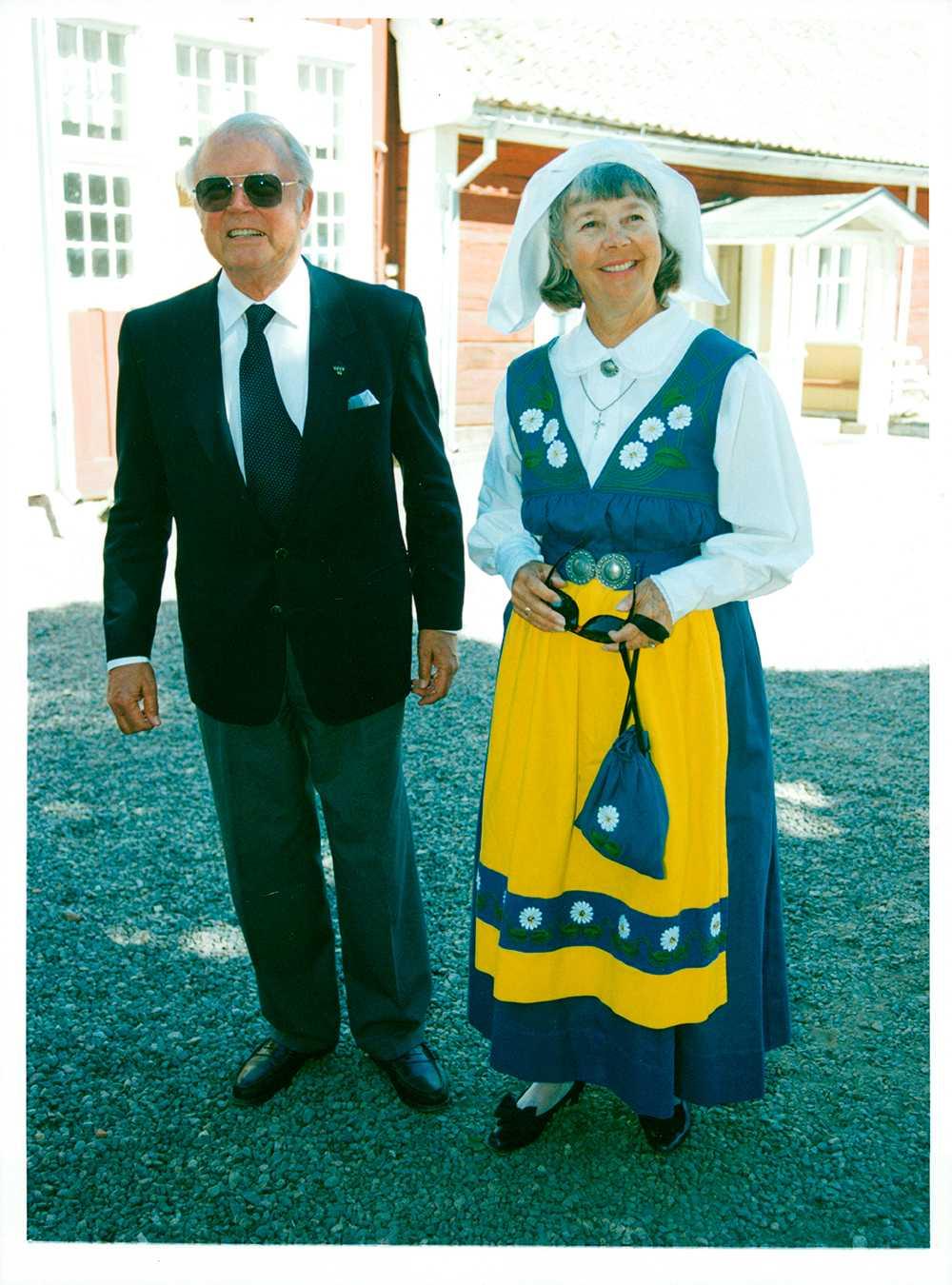 Alice Babs med Nils Ivar, vid prins Carl Philips konfirmation i Vadstena.