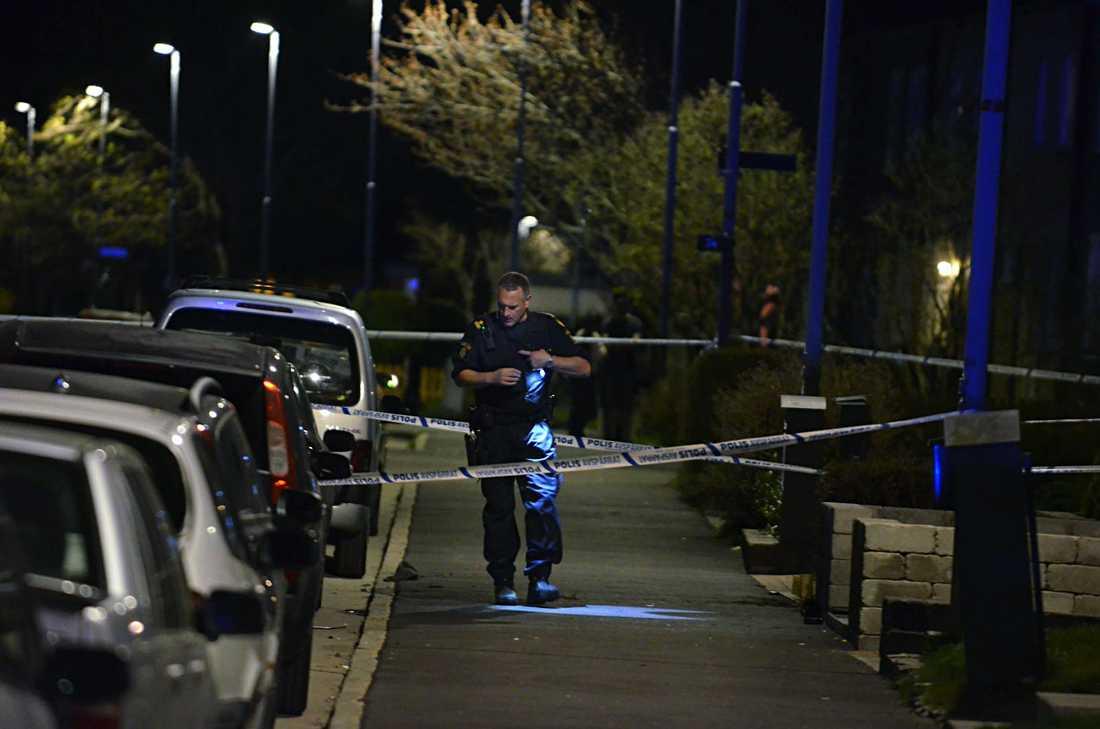 Polisen har spärrat och och säkrar bevis.