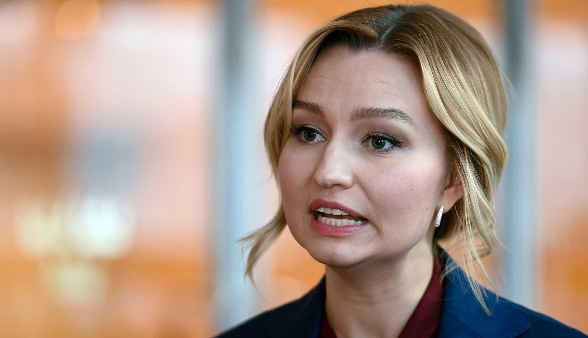 """KD-ledaren Ebba Busch upprepade sitt påstående från i våras att regeringen med """"berått mod"""" tillåtit stor smittspridning i landet."""