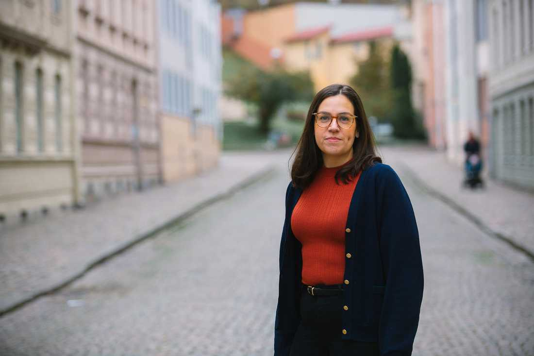 Mia Modig är ordförande för Nationell kvinnojour och stöd på teckenspråk – Sveriges första och enda kvinnojour i sitt slag.