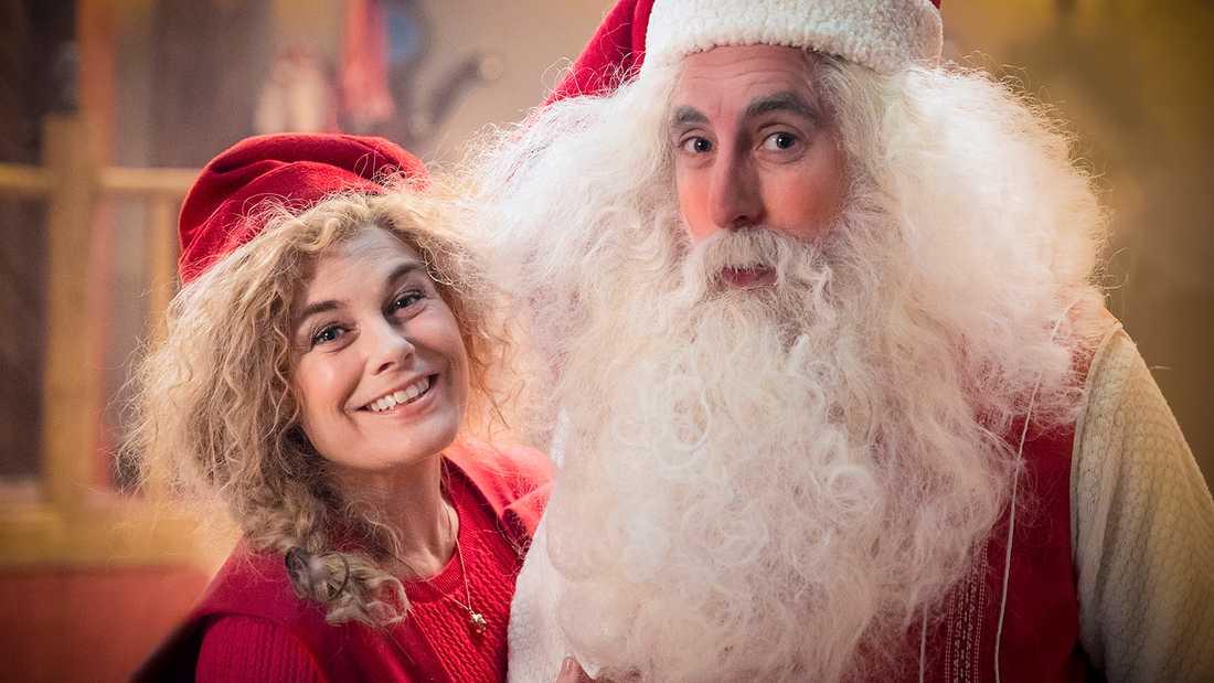 Pernilla Wahlgren och Per Andersson, som också har en bärande roll i årets julkalender.