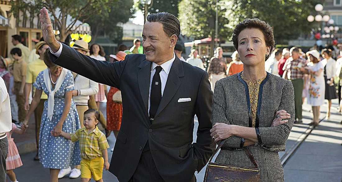 """Omaka par Tom Hanks som Walt Disney och Emma Thompson som """"Mary Poppins""""-författaren PL Travers."""
