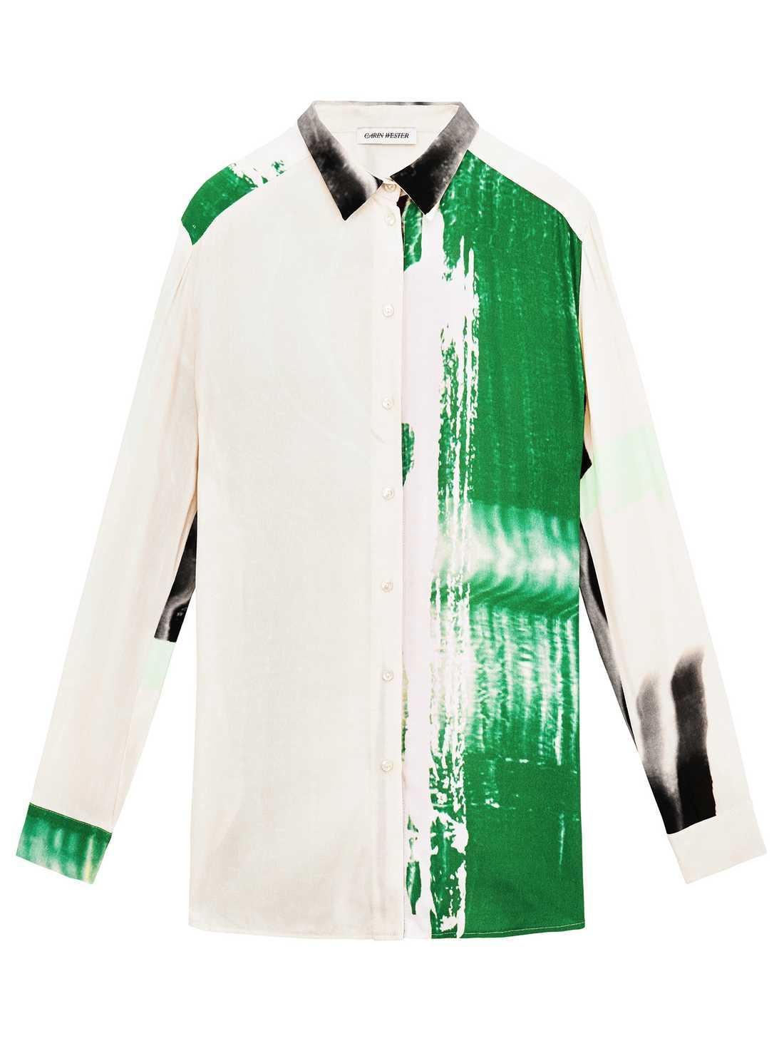 Klädkonst Handmålade ränder, konstnärliga tryck och Carin Westers snygga färgfest i skjortform. Konsten fortsätter att inspirera, tummen upp för kreativitet och lekfullhet. Just denna kostar 2 000 kronor.