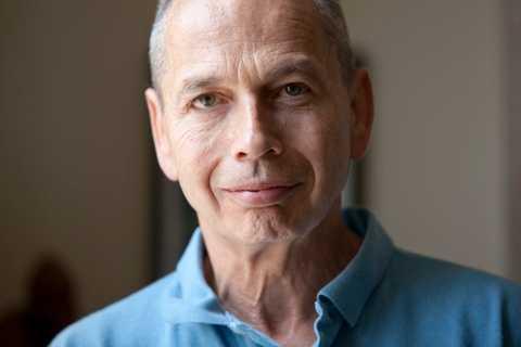 Frank Furedi är professor i sociologi och menar att bomberna för fem år sedan skapade en viktig debatt om vad det innebär att vara brittisk.