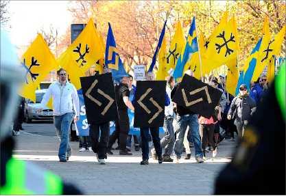 Bild från tidigare nazistdemonstration med Svenskarnas parti.