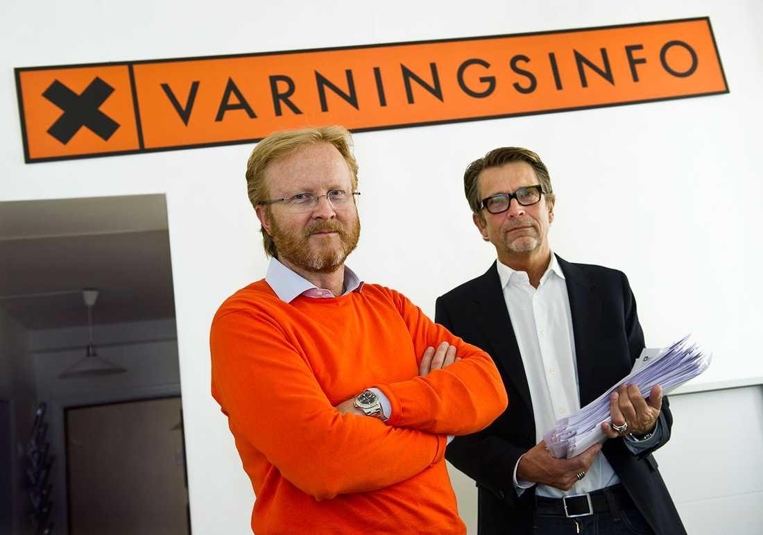 """""""Inte funnits några brister"""" Lars-Johan Jarnheimer har varit styrelseengagerad i Energibolaget, som anmälts över 450 gånger för bland annat vilseledande marknadsinformation. Tillsammans med Dick Malmlund är han delägare i Varningsinfo som vill stoppa bluffakturor. """"Vi har haft ärenden med Energibolaget uppe, men inte tagit oss an dem eftersom det inte funnits några brister"""", säger Dick Malmlund."""