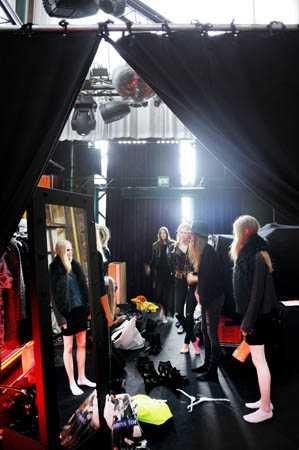 Trångt om saligheten backstage!