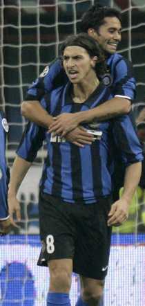 Zlatan är en jagad man. Real Madrid uppges vara villiga att ge 500 miljoner kronor – plus Mahamadou Diarra.