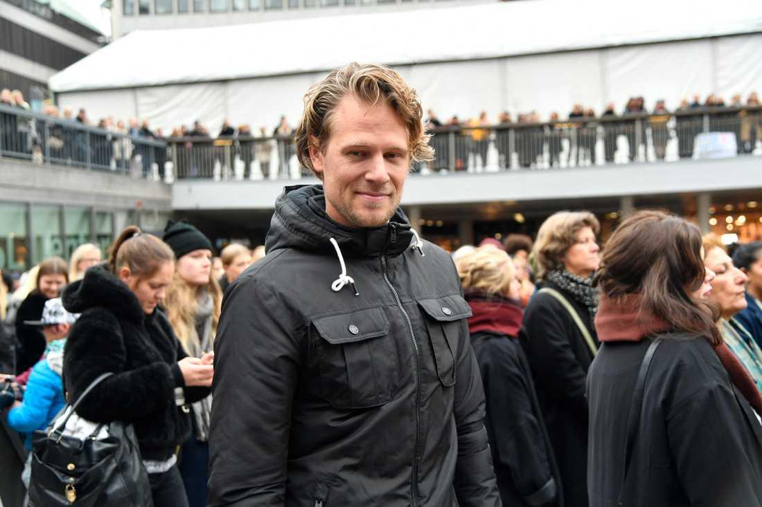 Joakim Bergqvist lyssnade på talen vid Sergels Torg.