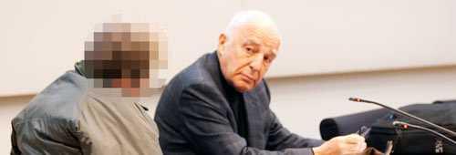 Den misstänkte 47-åringen och hans advokat Leif Silbersky under häktesförhandlingen i Halmstad den första april 2011.
