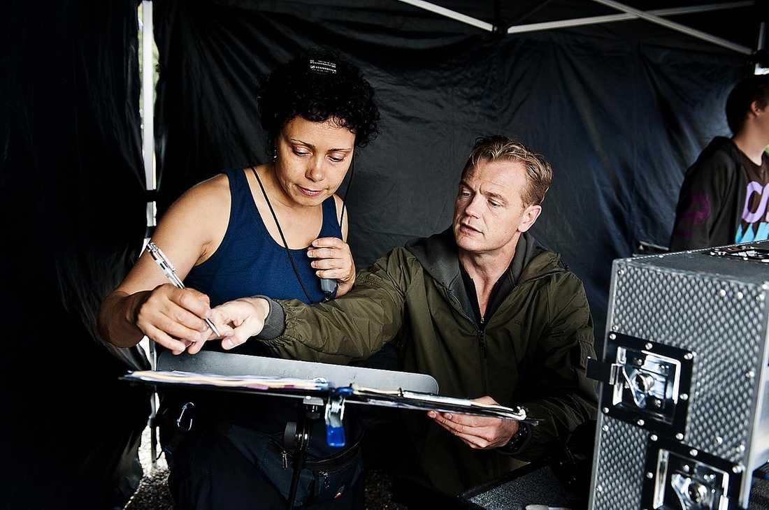 """""""Utmaningen med Cockpit är att få Jonas Karlssons rollfigur trovärdig"""", sa regissören Mårten Klingberg som gjort filmen """"Offside"""" med Karlsson."""