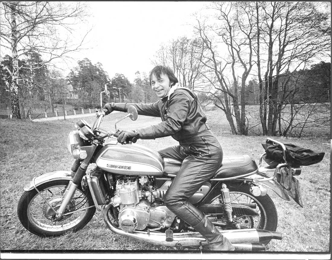 Jerry Williams kör motorcykel 1974.